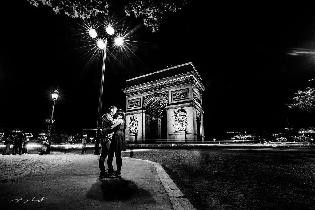 Engagement shooting Paris Arc de Triomphe