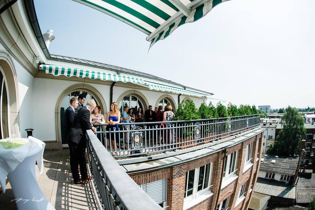 Hochzeitsfotos im Kornfeld Hochzeit Störtebeker Haus