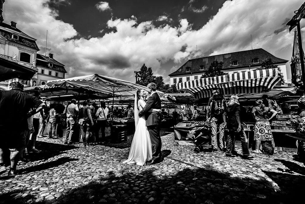 HochzeitsfotografieLüneburg am Marktplatz
