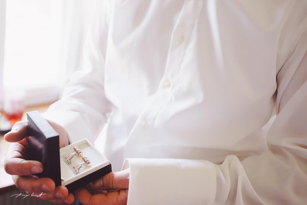 Vorbereitung Ringe Hochzeit