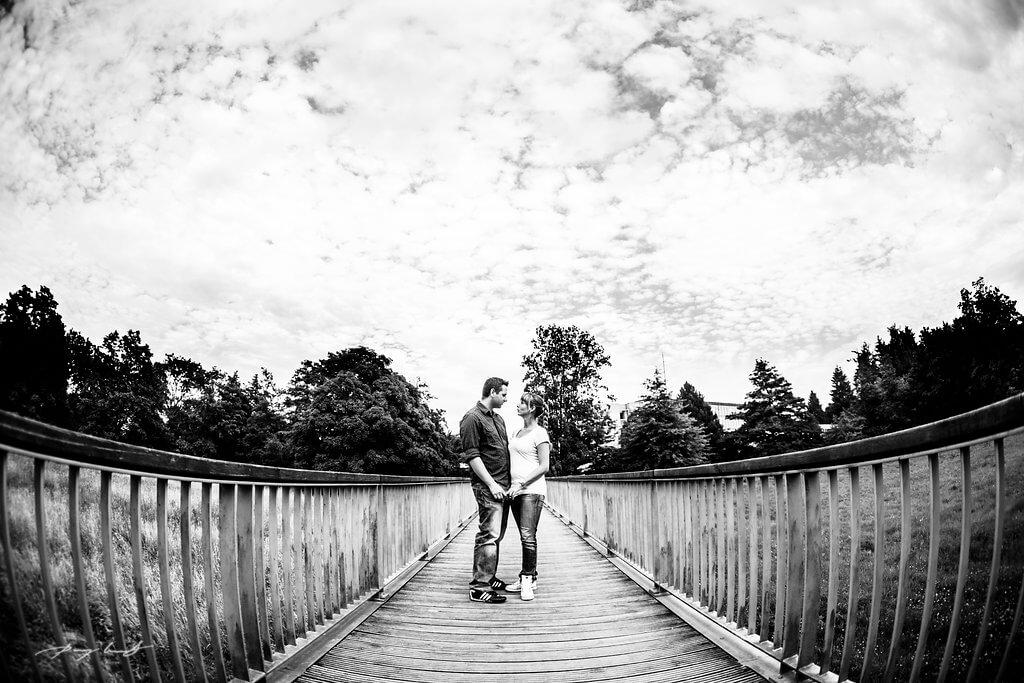 Engagementshooting auf der Brücke