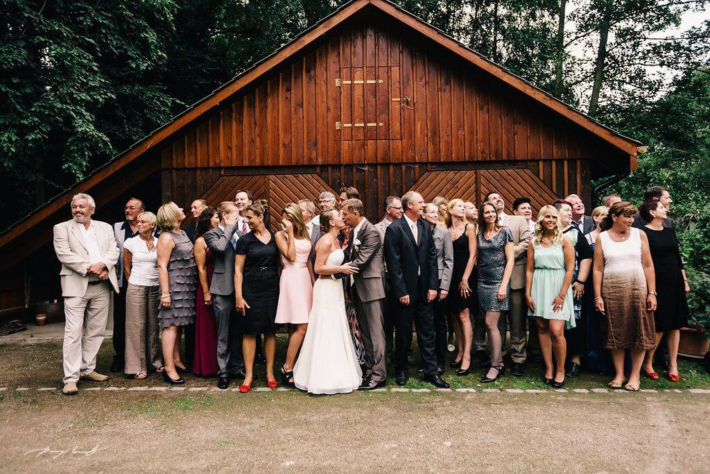 Brautpaar Hochzeitsgesellschaft Hochzeit in Amnmersbek Hotel Alster Au