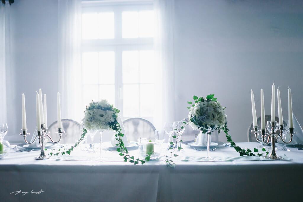 deko für hochzeit im hotel wassermühle in heiligenthal Fotografie