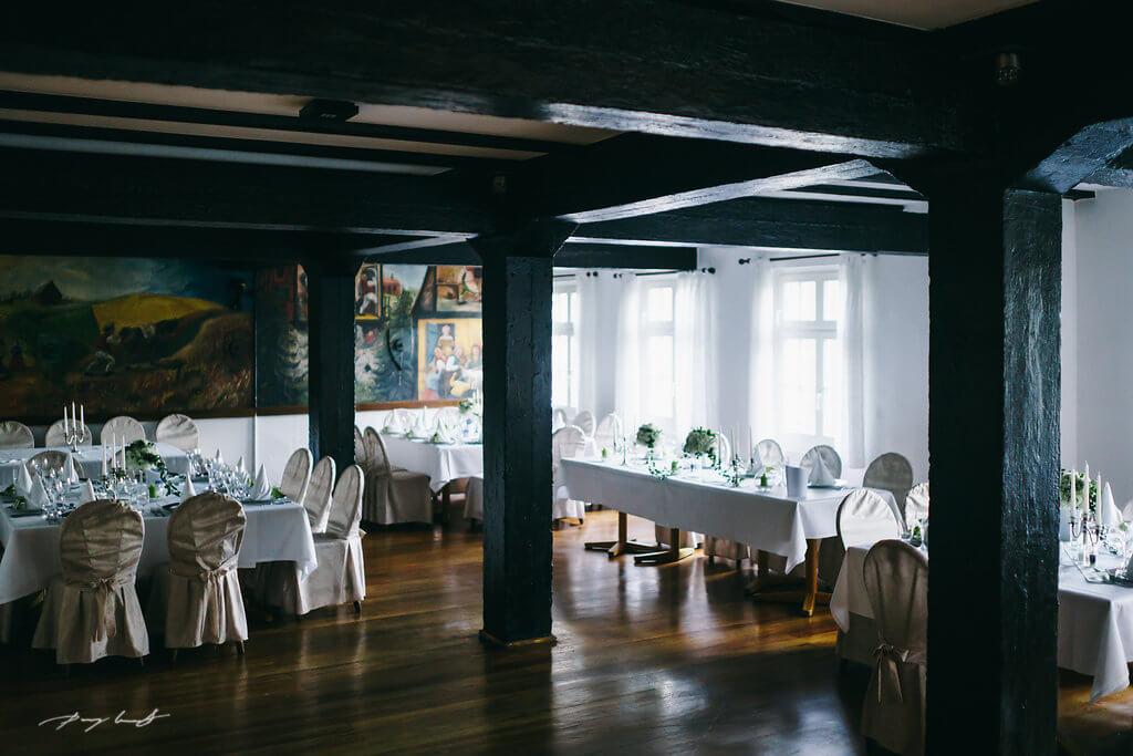 Hochzeitssaal in der wassermühle heiligenthal hochzeit heiraten feiern Fotografie