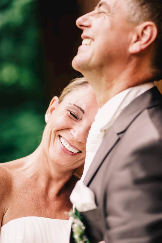 Brautpaar glücklich hamburg nach der Trauung Standesamt ammersbek hochzeitsshooting