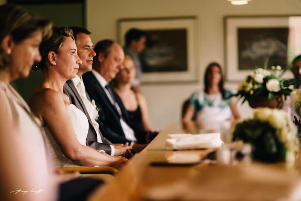 braut und bräutigam standesamtliche Trauung hamburg ammersbek Hochzeitsfotografie
