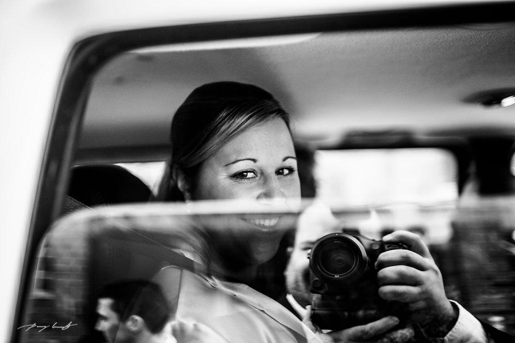 blick aus dem auto hochzeit lüneburg wasserturm fotograf