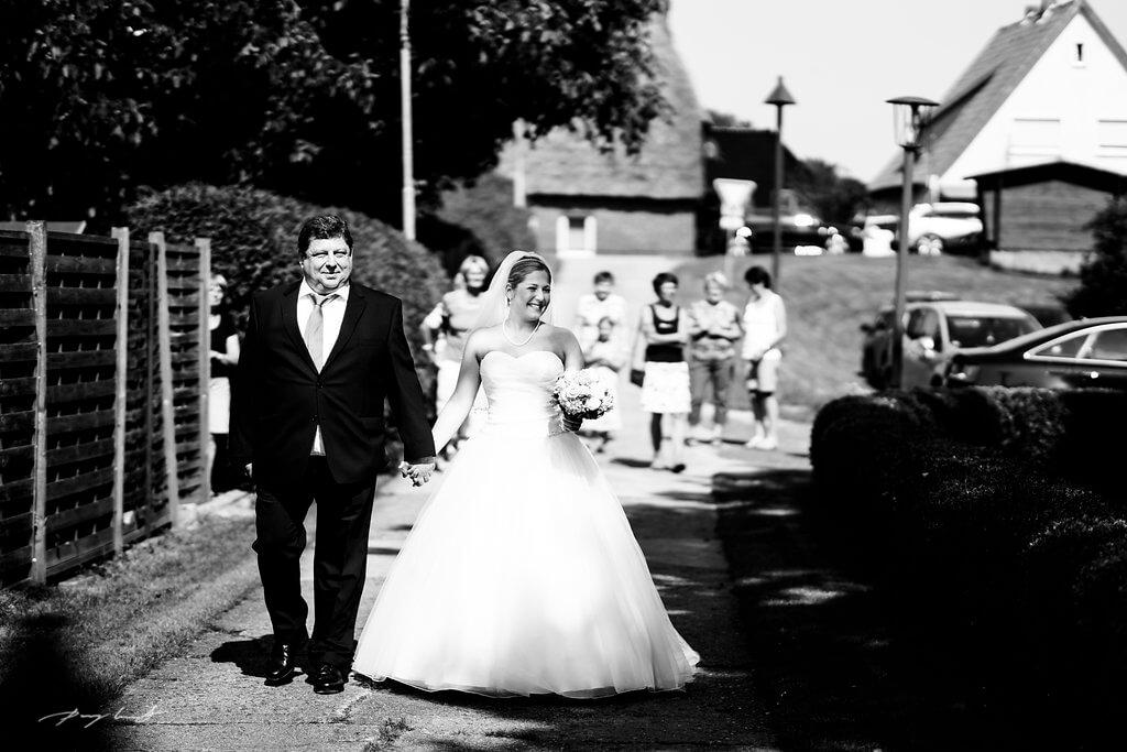 Hochzeitsreportage in Fliegenberg Martin-Luther-Kirche trauung Jawort