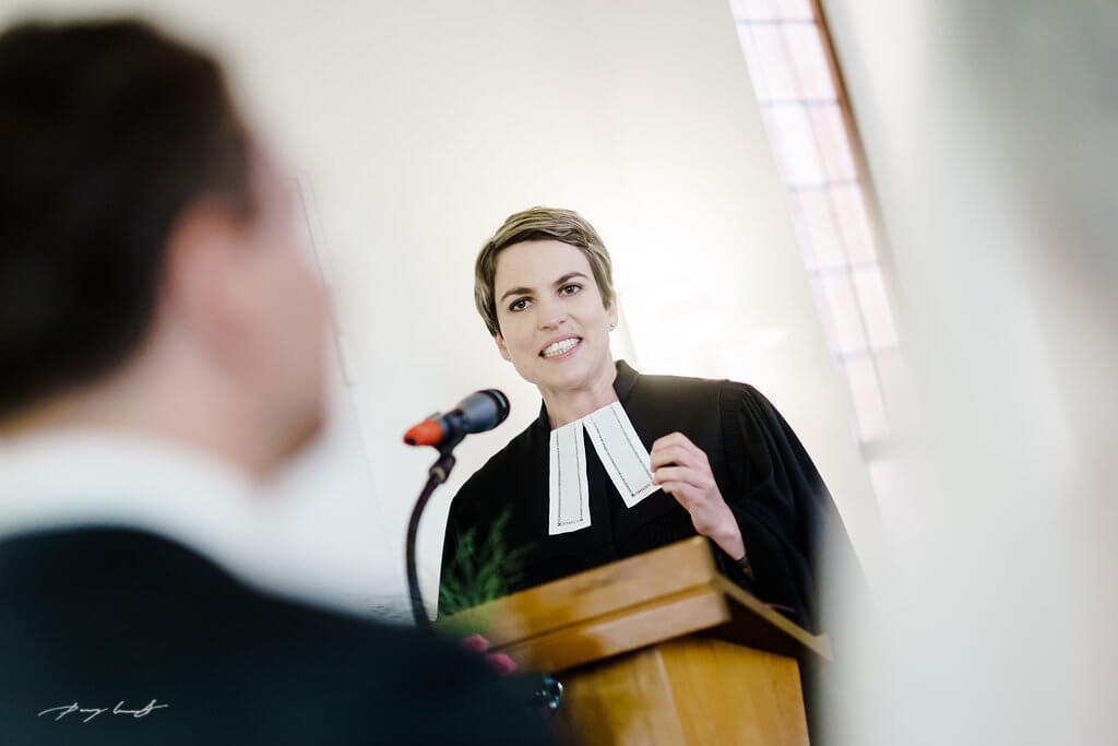 Pastorin Kirche Martin Luther Hochzeit Fotograf Hochzeitsfotos
