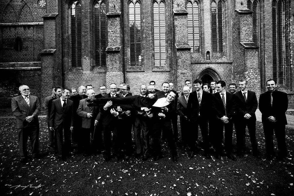 Bräutigam Gäste Fotografie Hochzeit Bardowicker Dom