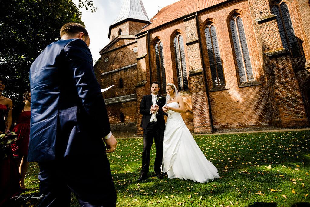 Tauben Braut Bräutigam DOM St.Peter und Paul in Bardowick