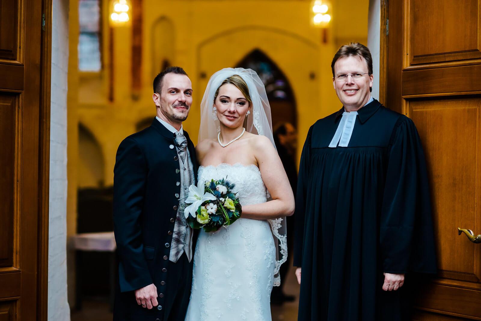 Pastor Brautpaar Hochzeit in der St.Marien Kirche in Winsen Luhe Fotografie