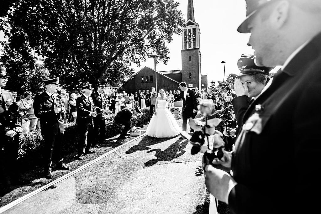 Fliegenberg Kirchliche Trauung Brautpaar Fotograf