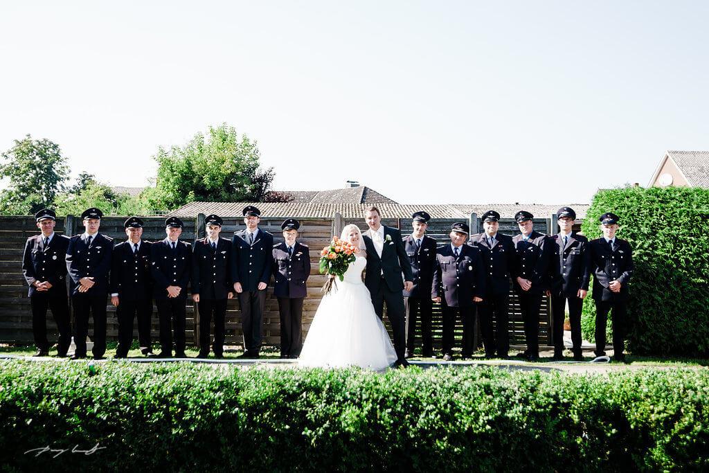 Freiwillige Feuerwehr in Fliegenberg Hochzeit Brautpaar