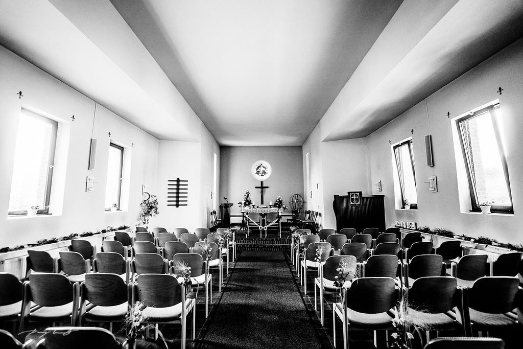 Kirche Kirchliche Trauung Hochzeits fotograf Fliegenberg