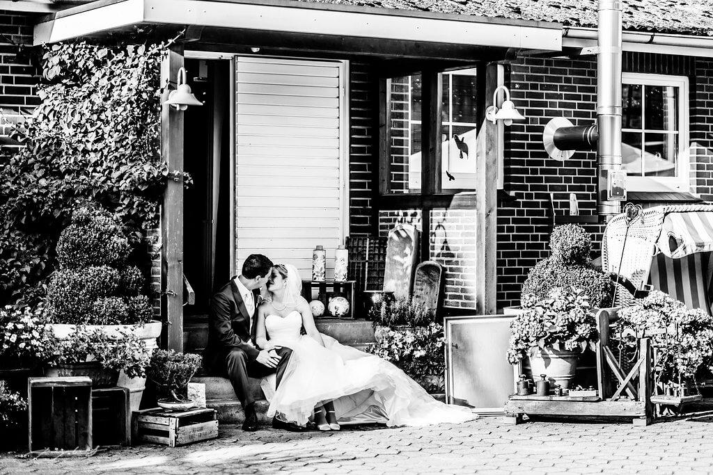Braut und Bräutigam Eingang Gasthof Große hochzeit