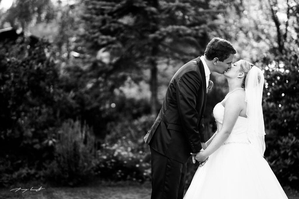 Wulfsen Hochzeitsfotograf Brautpaar Gasthof