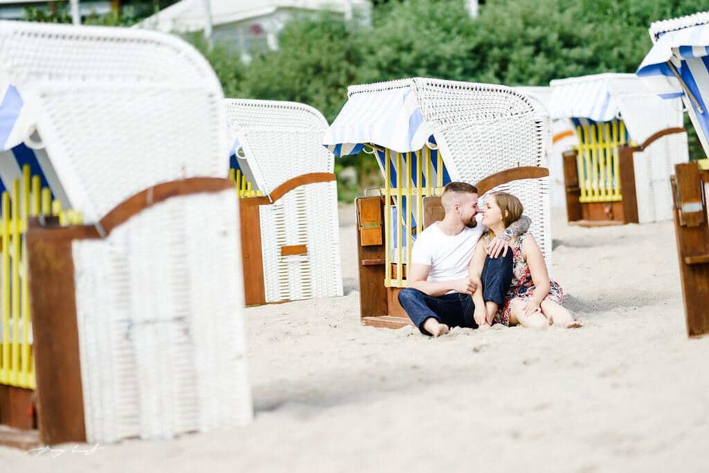 Strandkorb Timmendorf Engagementshooting Fotografie