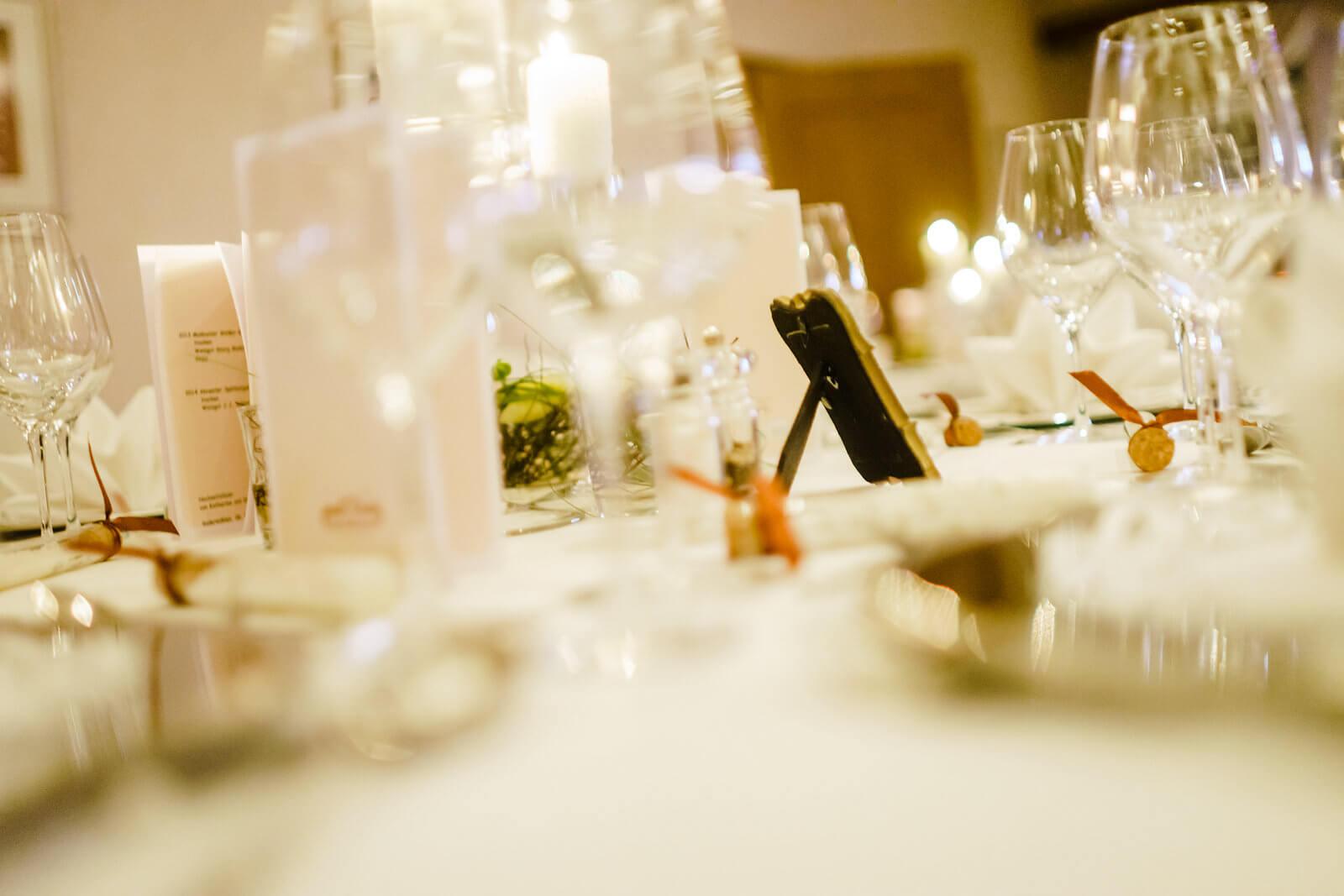 Hof Sudermühlen Hochzeitsfotografie Tischdekoration