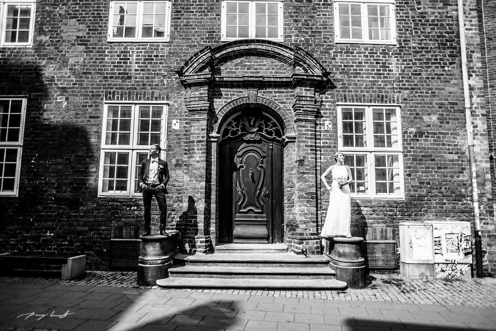 statuen brautpaar hochzeit lüneburg fotograf lüneburg heinrich heine haus