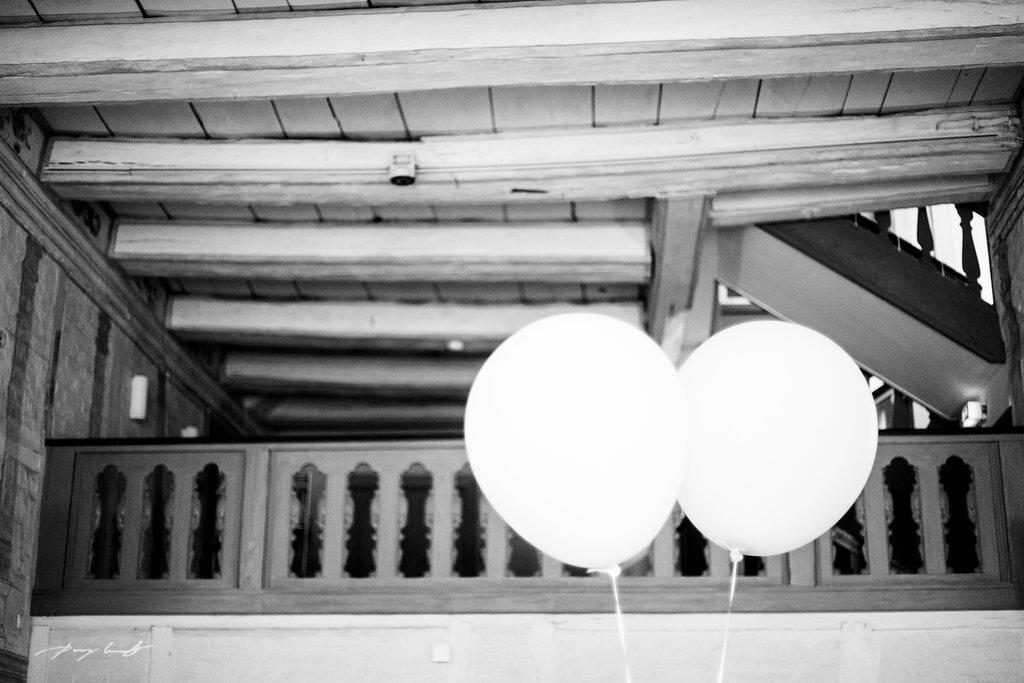 ballons fotografie heinrich heine haus lüneburg trauung hochzeitsfotografie