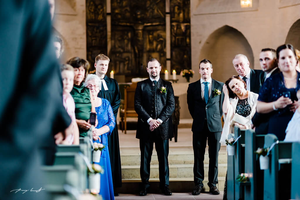 bräutigam trauung winsen luhe fotografie hochzeit st. marien kirche winsen