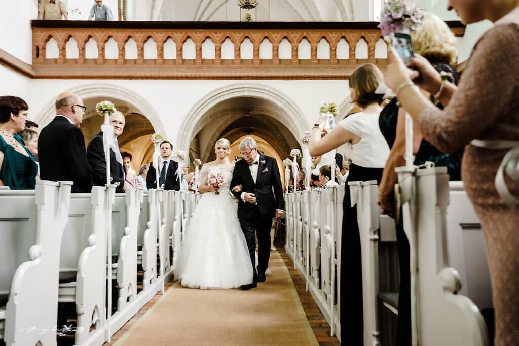 kloster lüne heiraten braut brautvater einzug kapelle