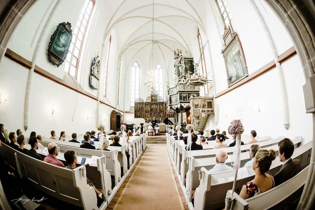 fotografie in der klosterkirche st. bartholomäi trauung brautpaar hochzeit im kloster lüne
