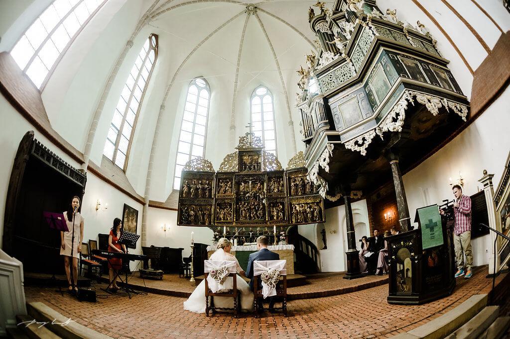 kirchliche trauung im klosterkirche st. bartholomäi fotograf im kloster lüne