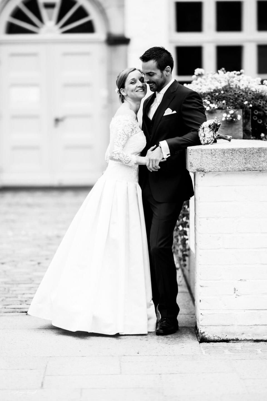 hochzeitsfotograf im schloss ahrensburg braut und bräutigam