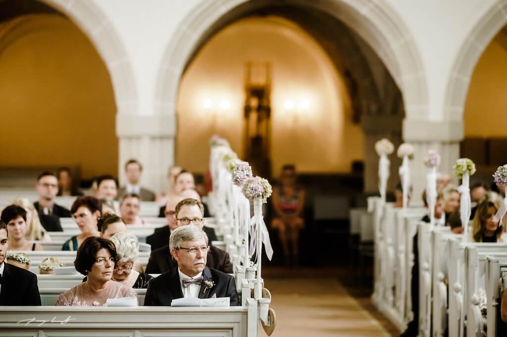 hochzeitsgäste fotograf trauung im kloster lüne kirchliche trauung im klosterkirche st. bartholomäi lüneburg