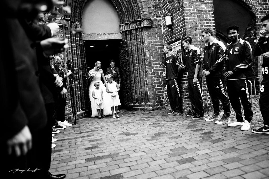 blumenkinder hochzeitsfotografie brautpaar im kloster lüne