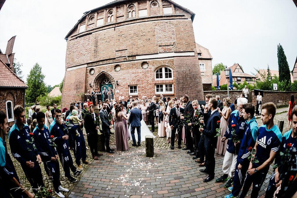 gruppenfoto hochzeitsfotograf im kloster lüne