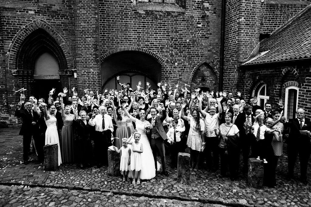 hochzeitsfotografie gruppenfoto trauung kloster lüne heiraten im kloster lüne