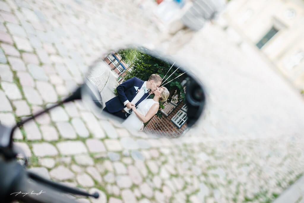 spiegel brautpaar lüneburg hochzeit fotograf