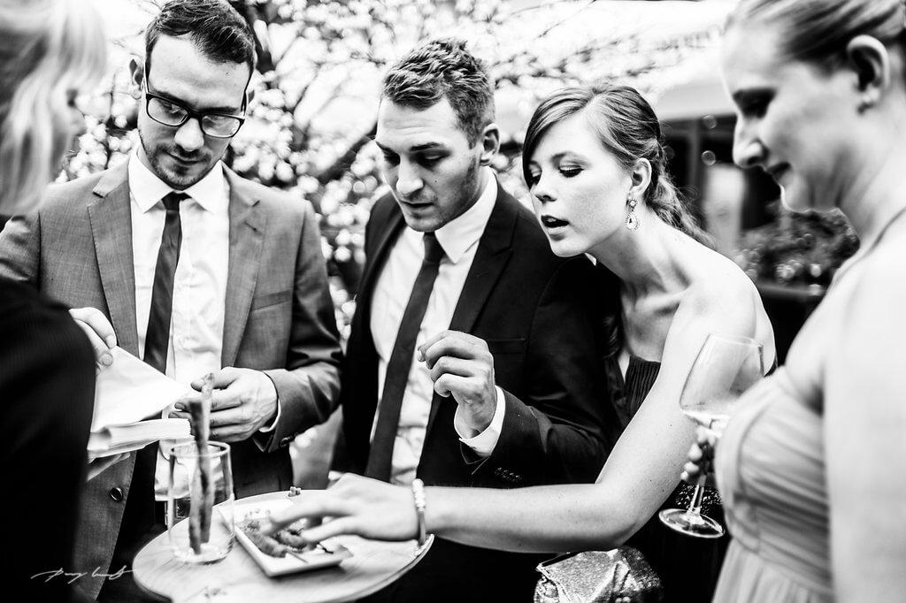 gäste hochzeit gut bardenhagen feier hochzeitsfotograf