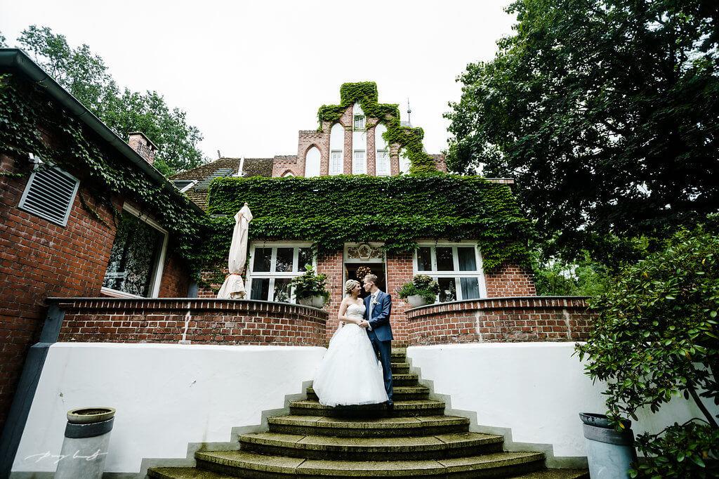 braut und bräutigam fotografie lüneburg feiern auf gut bardenhagen