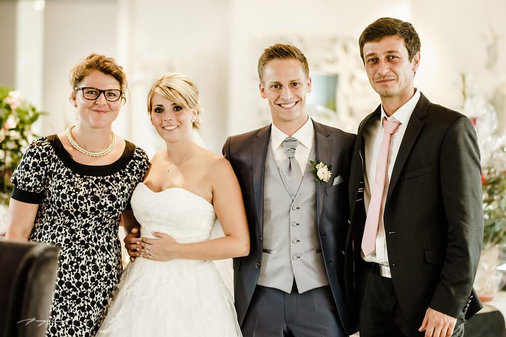hochzeitsfeier auf gut bardenhagen hochzeitsgäste braut und bräutigam