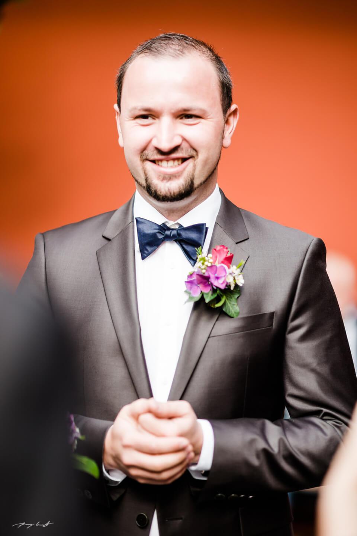 bräutigam hochzeit standesamt fotograf im schloss winsen