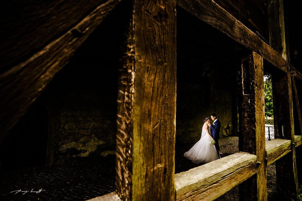 fotograf im schloss wolfsburg brautpaar hochzeit vor der trauung