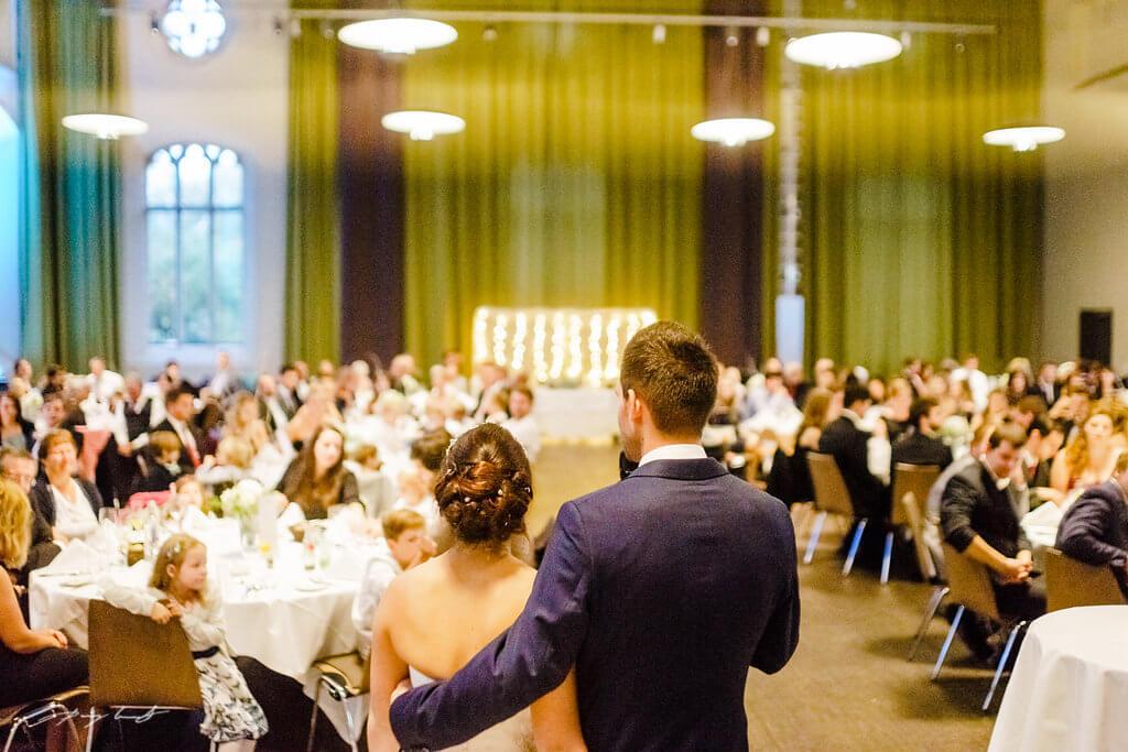 ansprache bräutigam hochzeitsfeier steigenberger parkhotel hochzeitsfotografie braunschweig hochzeitsgäste