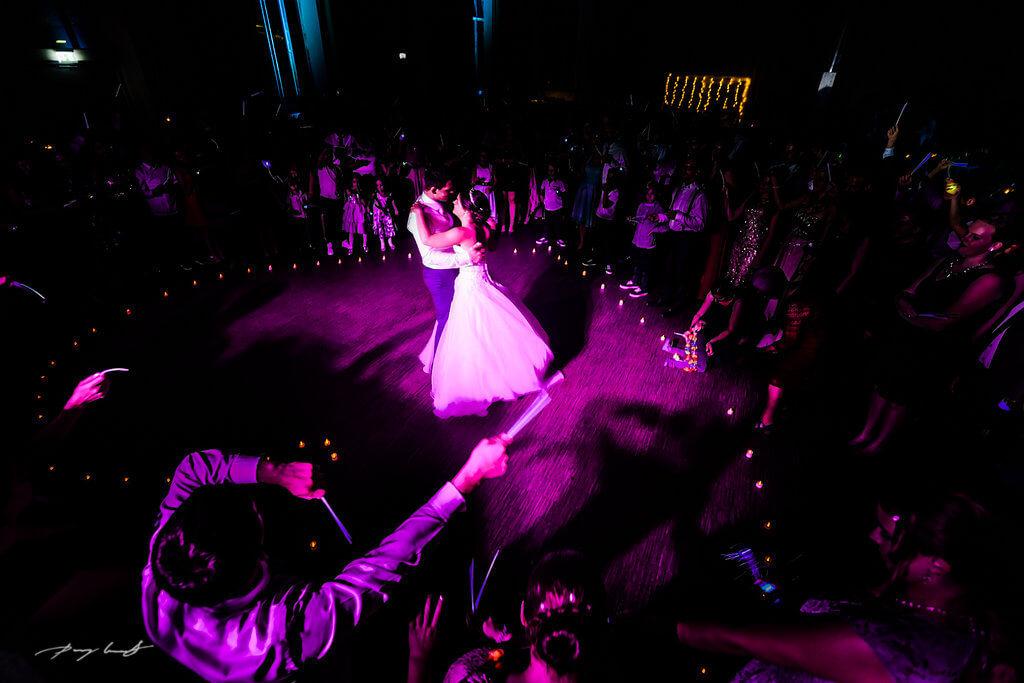 tanzendes brautpaar hochzeitsfeier braunschweig fotograf im steigenberger parkhotel