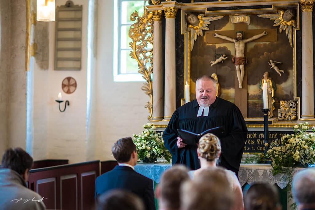 pfarrer fotografie trauung hochzeitsfotograf hanstedt heiraten kapelle brautpaar