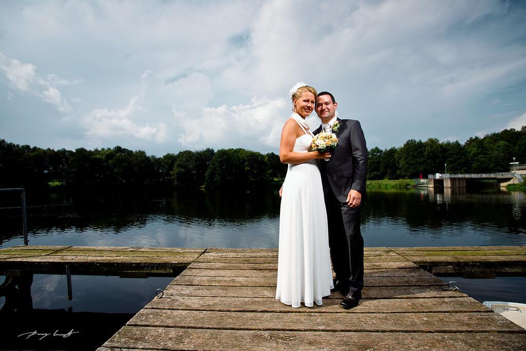 brautpaar lopausee bootssteg fotografie hochzeit heiraten
