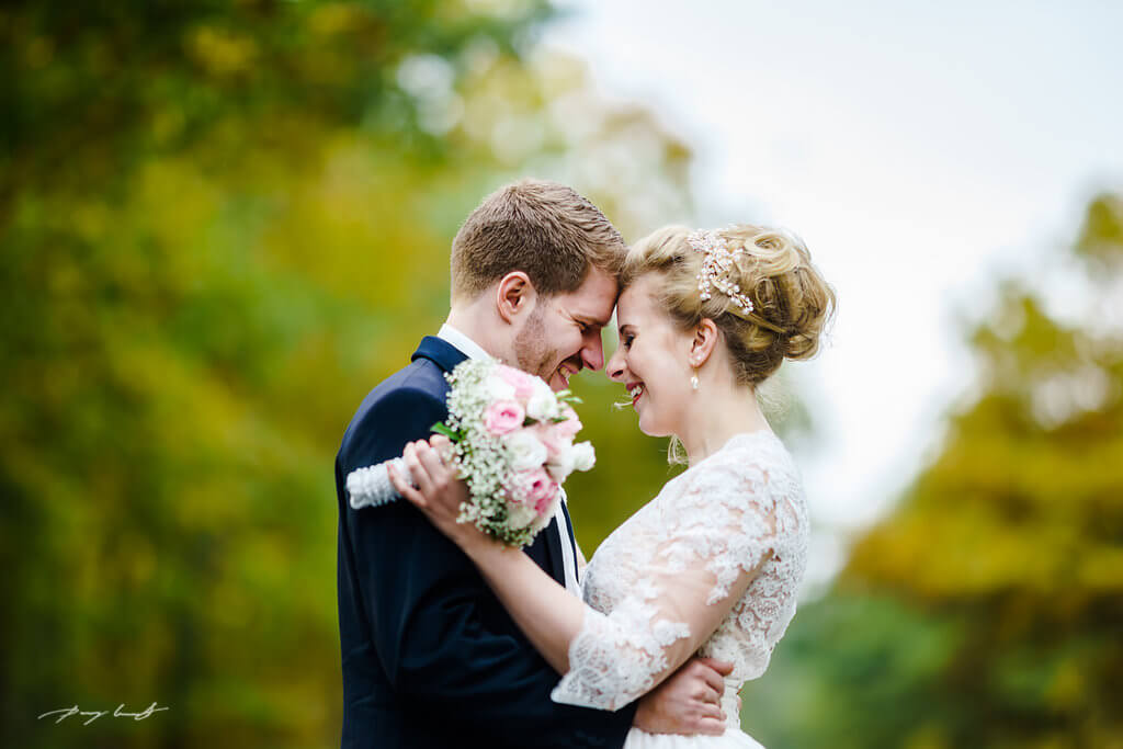 hochzeitsfotografie braut und bräutigam pattensen am schönsten tag ein lächeln