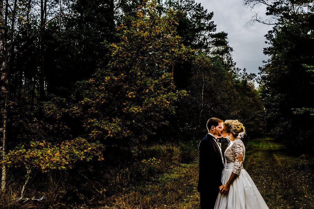 kuss hochzeitsfotografie brautpaar pattensen heiraten hochzeitshooting braut und bräutigam