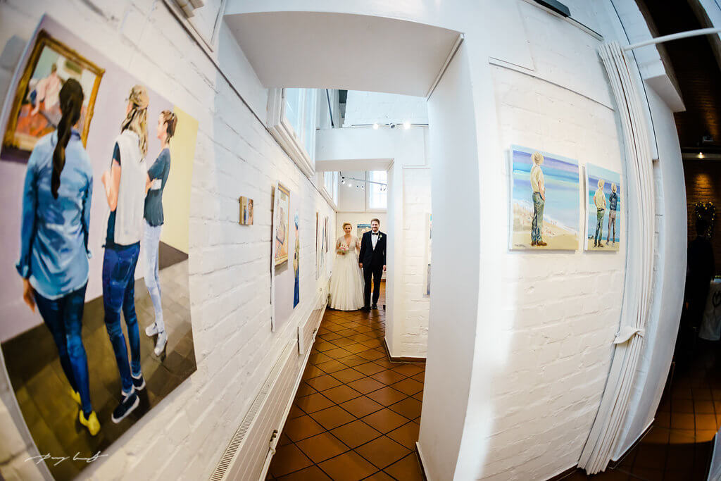 gang zur trauung hochzeitsfotografie der schönste tag hochzeitsfotograf lüneburg wasserturm