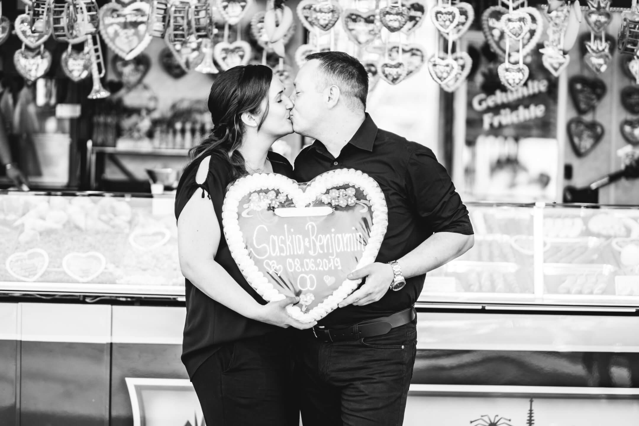 Hamburg DOM Verlobung Hochzeit EngagementShooting Paarfotos